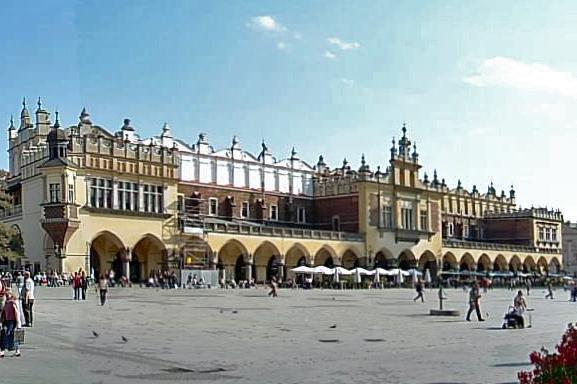 Krakau Rynek, Tuchhallen