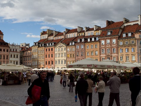 Zufriedene Polen, Warschau