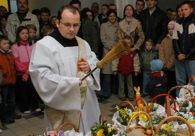 Priester in Polen