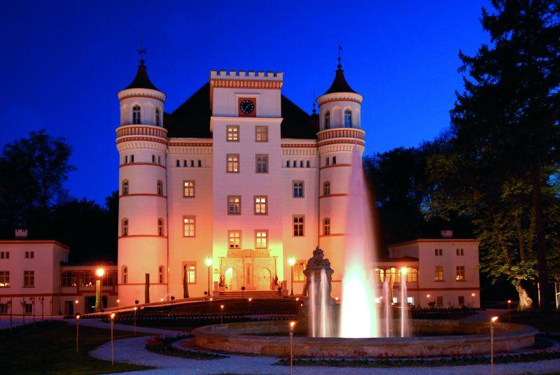 Schloss Wojanow im Hirschberger Tal