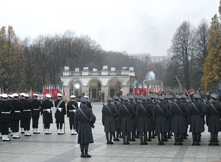 Unabhängigkeitstag Polen, Kranzniederlegung an Grabmal des unbekannten Soldaten, Foto: Wikimedia Commons, Daria2005