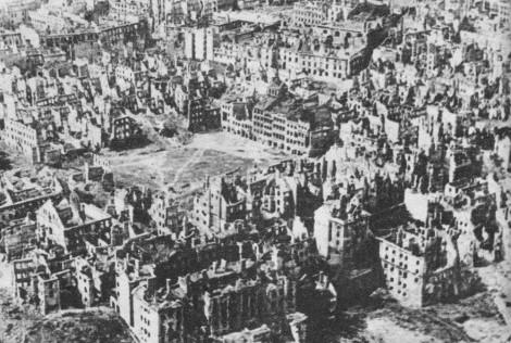 Nach dem Warschauer Aufstand, Foto: gemeinfrei