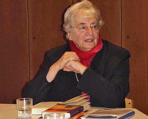 Ruth Weiss in der Lindenkirche Berlin-Wilmersdorf, 23.10.06 Foto: Lillianne, CC-by-sa 2.0/de
