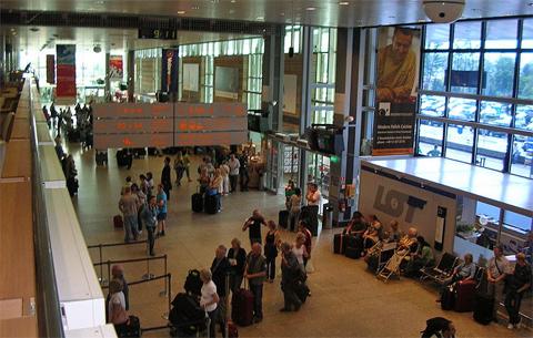 Nichts wie weg - Abflughalle Airport Krakow, Foto: Jamal 2, CC-BY-SA-4.0,3.0,2.5,2.0,1.0