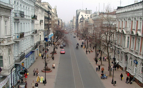 Lodz: Flaniermeile Piotrkowska-Straße; Foto: pl:Konrad K?oszewski, CC BY 2.5