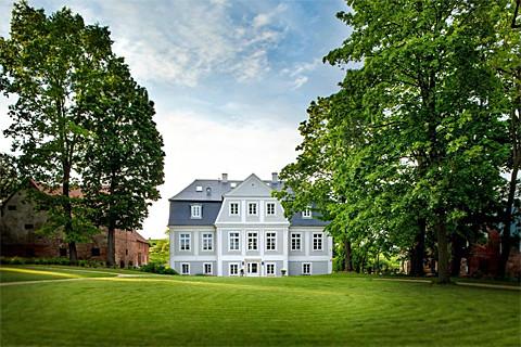 Schlosshotel Kamnitz (Palac Kamieniec) im Glatzer Land