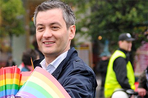 Polens erster schwuler Bürgermeister Robert Biedron, Foto: Kuba Bozanowski, CC BY 2.0