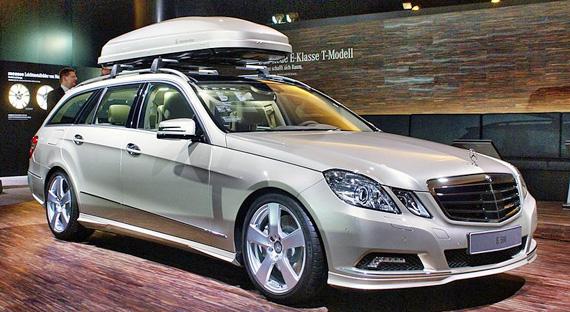 Auto mit Dachbox, Foto: Matti Blume, CC BY-SA 3.0