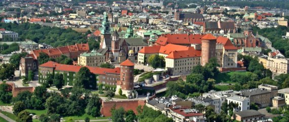 Neben dem Literatur-Festival bietet Krakau altehrwürdige Bauwerke, Kirchen und eine wunderschöne Landschaft, die es zu entdecken gilt. Foto: Pixabay.com © DzidekLasek (CC0 Creative Commons)