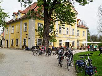 Schlösserhopping per Rad durchs Hirschberger Tal, Schloss Lomnitz. Foto: Klaus Klöppel